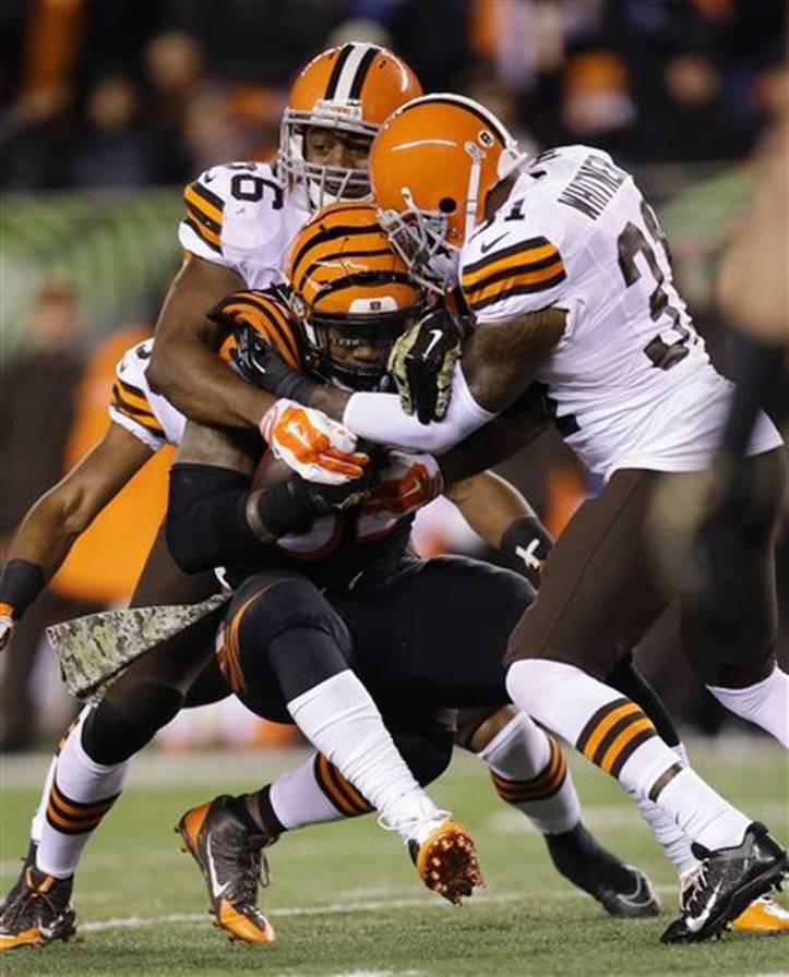 jeremy hill, cleveland browns, thursday night football, cincinnati bengals, andy dalton, nfl scores