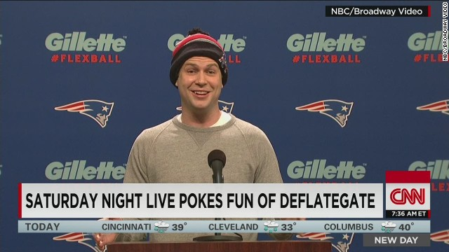 Saturday Night Live  expertly handles Tom Brady's balls in cold open